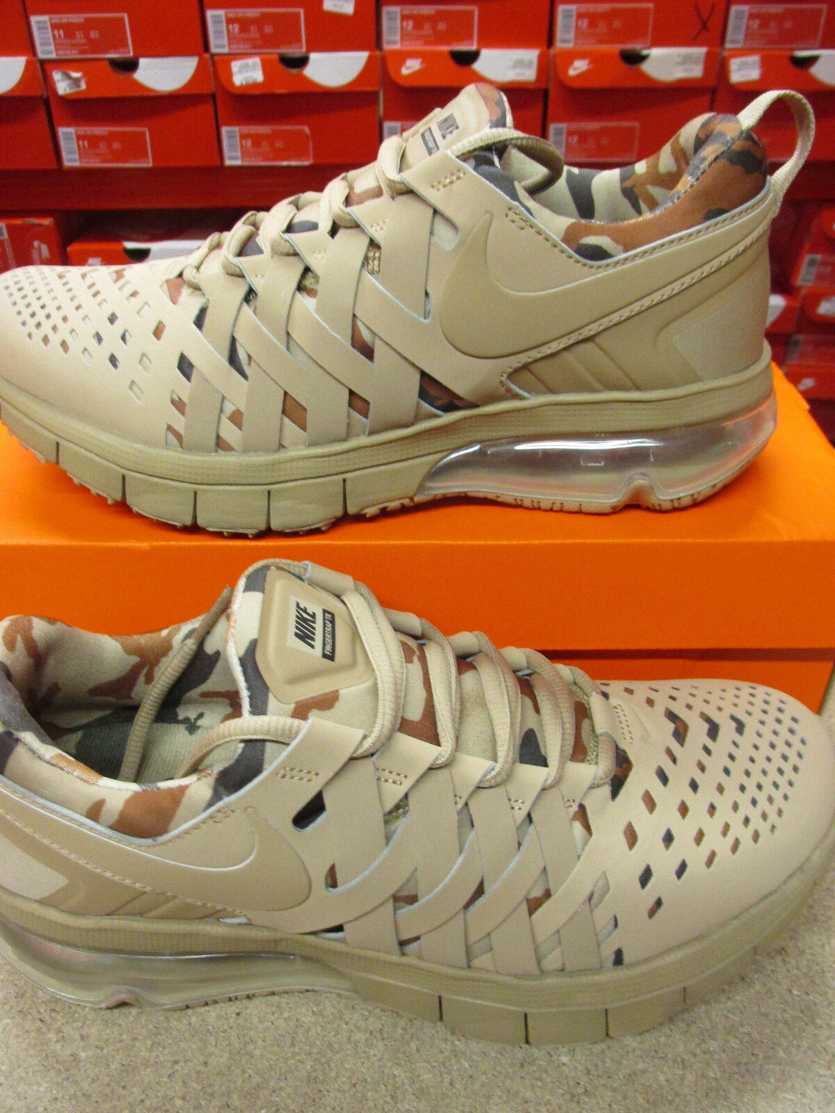 Nike Fingertrap Max AMP Mens Running Trainers 644672 201 Sneakers Shoes