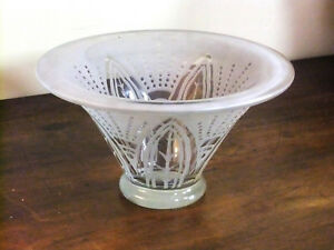 Vasque cup 1920 glass craft decor plant reached at sand perfect condition