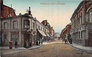 POSTCARD   HAMPSHIRE   ALDERSHOT   Wellington  Street