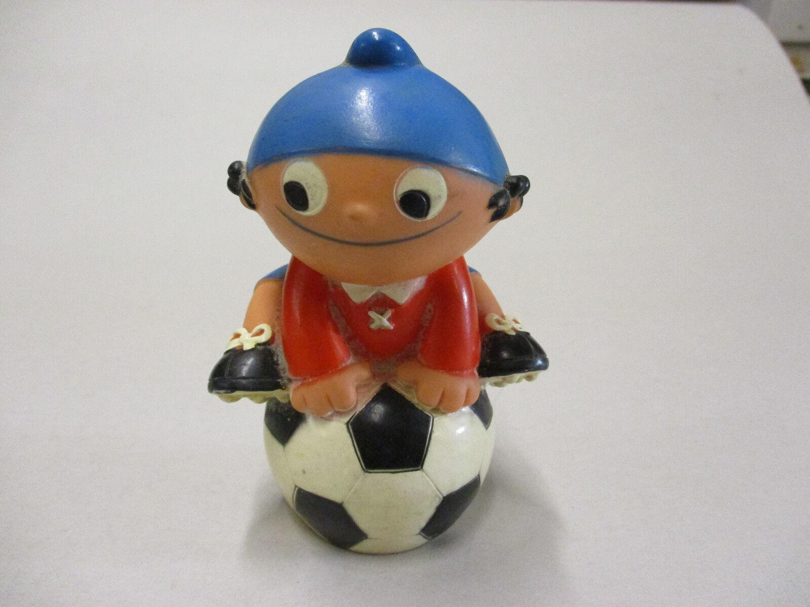 Mainzelmännchen - Goebel - Edi mit Fussball  12cm