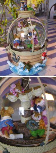 Spieluhr Schneekugel mit Licht Mäuse im Piratenschiff #