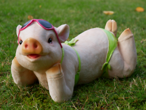 Pig In Bikini Sunbathing Relaxing Garden Home Ornament Statue Sculptures Resin