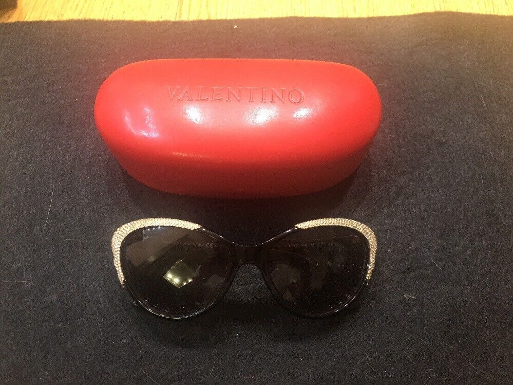 valentino sunglasses With Crystal