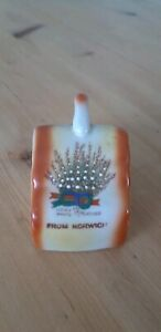 Vintage-souvenir-Lucky-white-heather-from-Norwich-collectable-ornament