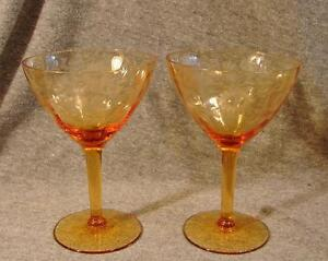 Vintage-Amber-Martini-Cocktail-Wine-Glass-Etched-Flower-Leaves-Stemware-Set-of-2