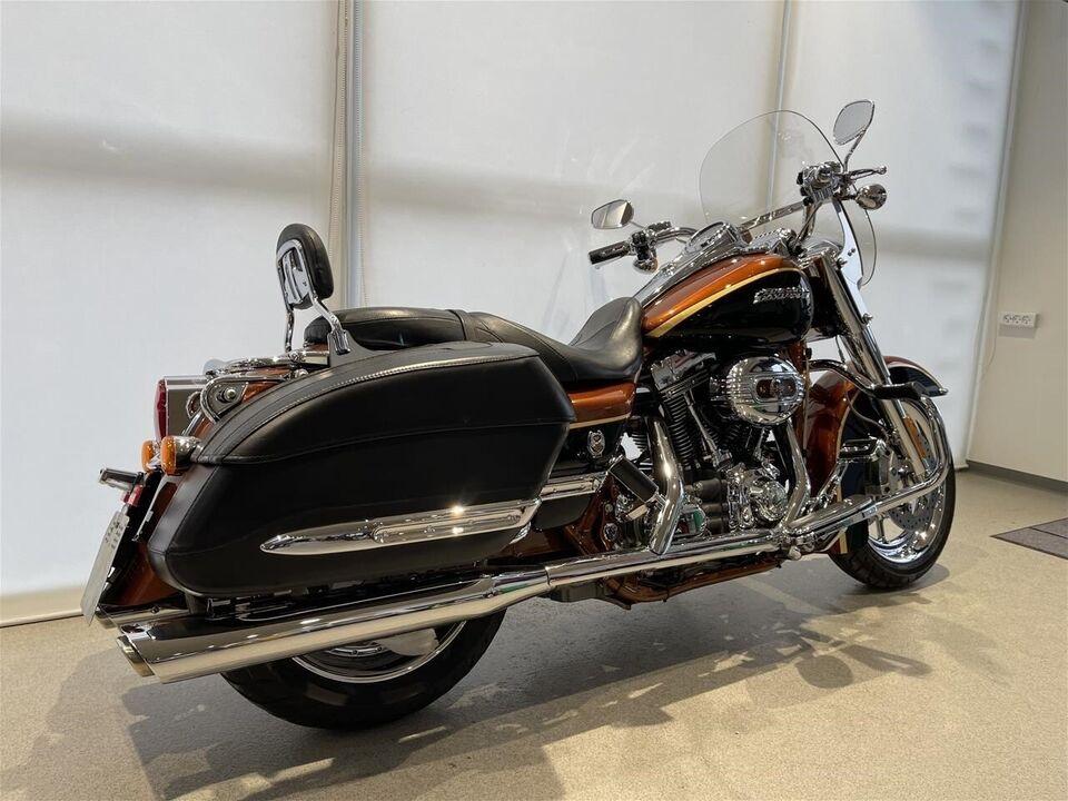 Harley-Davidson, FLHRSE4 CVO Road King, ccm 1800