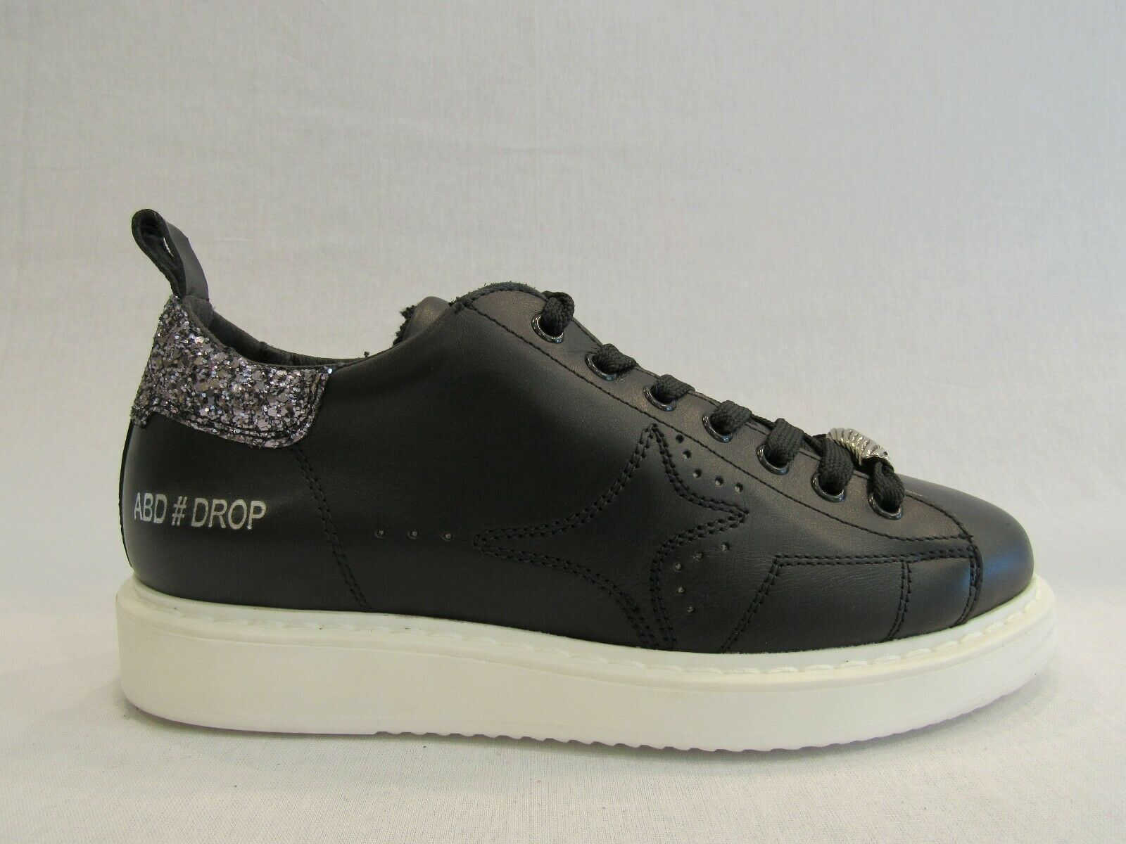 AMA A966  scarpe da ginnastica donna in pelle nera con glitter argentooo sul tallone