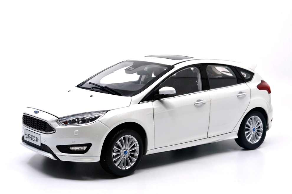 1/18 1:18 Scale Ford Focus 2015 White Diecast Model Car Paudimodel