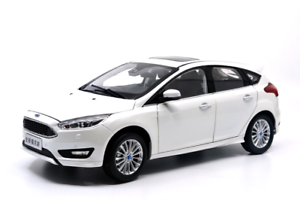 1 18 1 18 Scale Ford Focus 2015 White Diecast Model Car Paudimodel