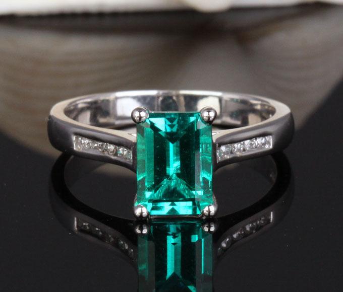 6x8mm Emerald Cut Emerald 14K White gold Engagement Wedding VS-H Diamond Ring