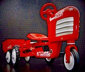 Pedal-Red-Tractor-w-Trailer-Rare-Pedal-Car-Metal-Collector-READ-FULL-DESCRIPTION