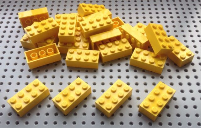 Lego 2x4 Yellow Brick (3001) x25 in a set *BRAND NEW* City Star Wars Marvel