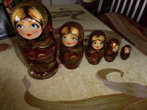 Avoir Un Esprit De Recherche Vintage Russian Matryoshka Doll-afficher Le Titre D'origine