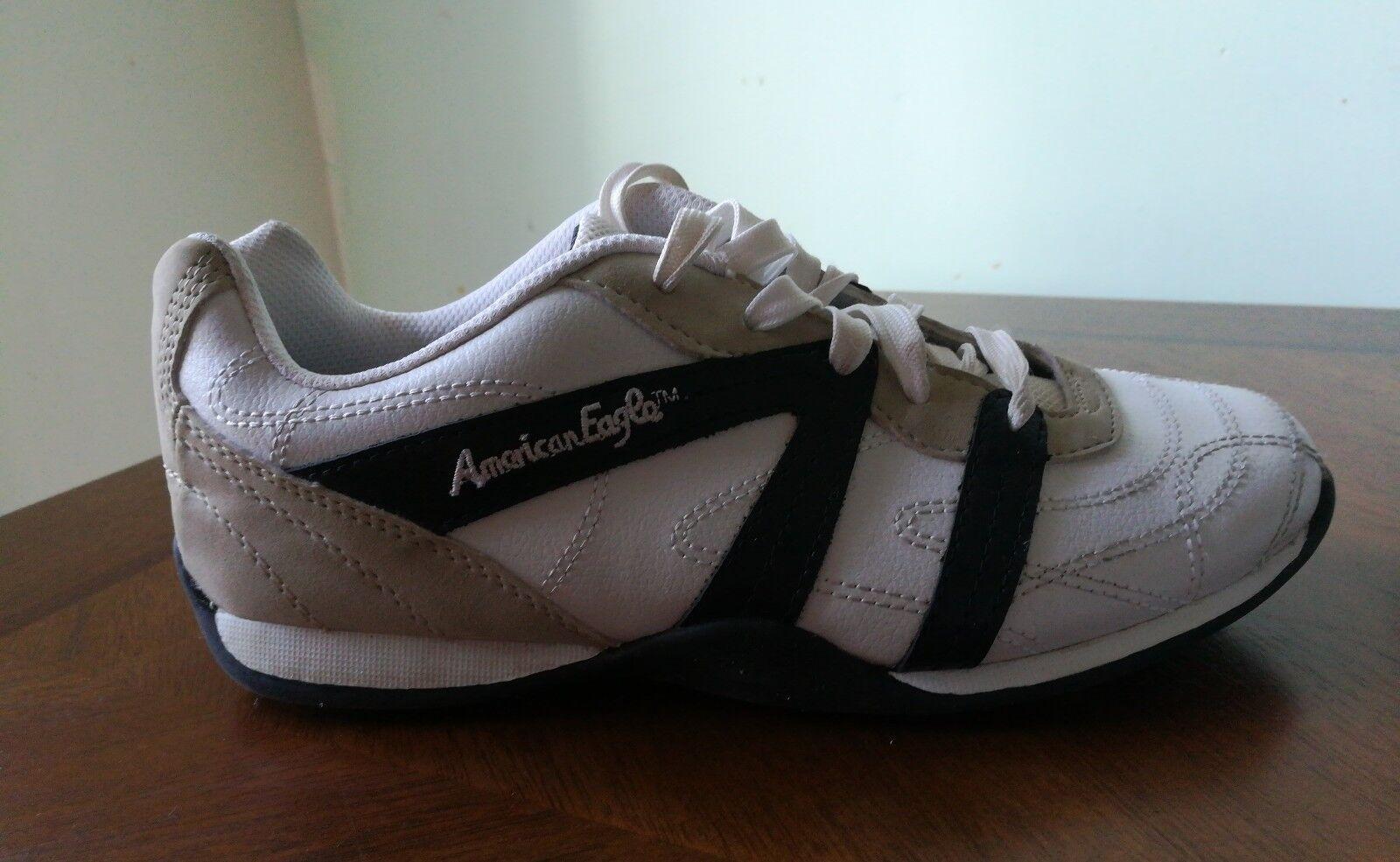 American Eagle Mens Athletic Shoes color 6 white tan black Size 6 color c904a0