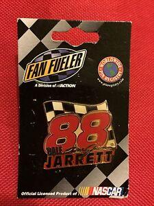 Dale-Jarrett-Nascar-Pin-Hat-Lapel-Collectors-88-Flag-Race-Car-Drive-New
