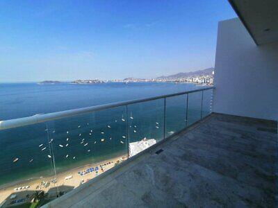 Armando's le club penthouse con vista a la bahía en Acapulco
