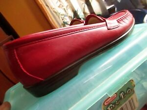 sz-7-5-S-True-Vtg-80s-SASS-CHERRY-RED-LEATHER-NURSE-LOAFERS-SHOES-USA