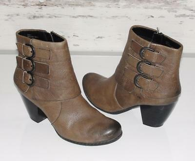 BORN~DISTRESSED~GENUINE PEBBLED LEATHER *TRIPLE BUCKLE* FASHION BOOTS~9/40.5
