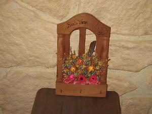 Porte-cles-en-bois-deco-fleurs-sechees