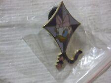 Disney Pin Daisy Kite A Lanyard Pin Series From Walt Disney World 2004    pin362