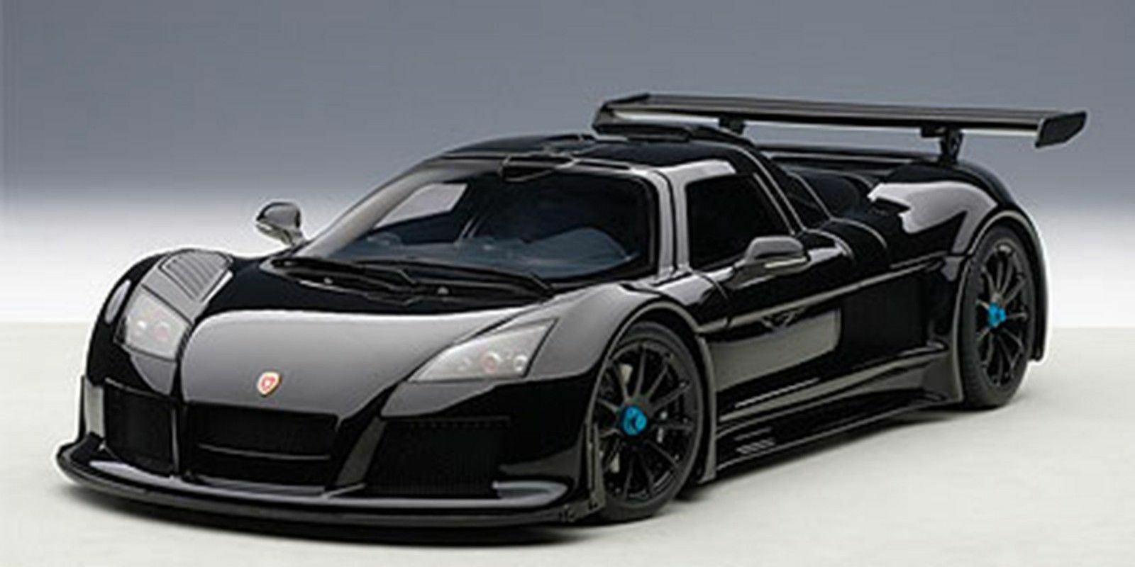 AUTOART GUMPERT Apollo Noir Mat Couleur 1 18  Nouvelle Version