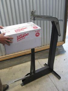 INDUSTRIAL CARD BOARD BOX STABLING MACHINE