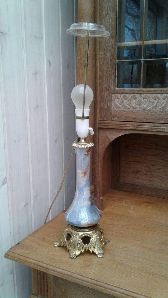 Anden bordlampe, Messing. Porcelæn.
