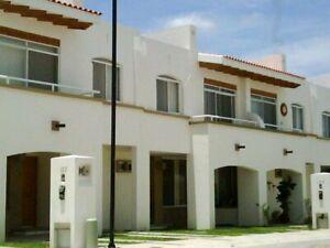 Casa en Condominio privado La Enramada 3 recamaras la principal con bano zona norte Av Independencia