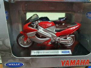 Moto-039-01-Yamaha-YZF1000R-Thunderace-Scala-1-18-Die-Cast-Welly-Nuovo