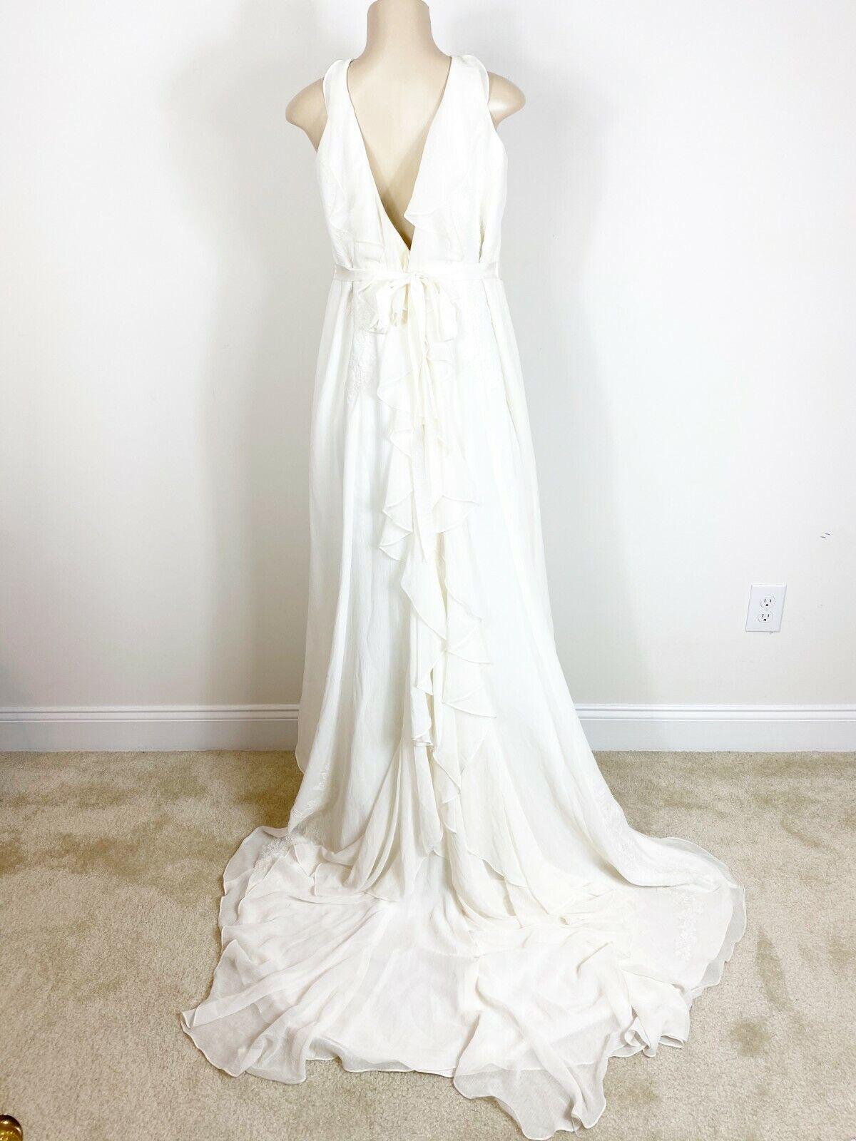 Galina Woman Ivory Wedding Dress V neck Back Lace Ruffles Train Size 22W