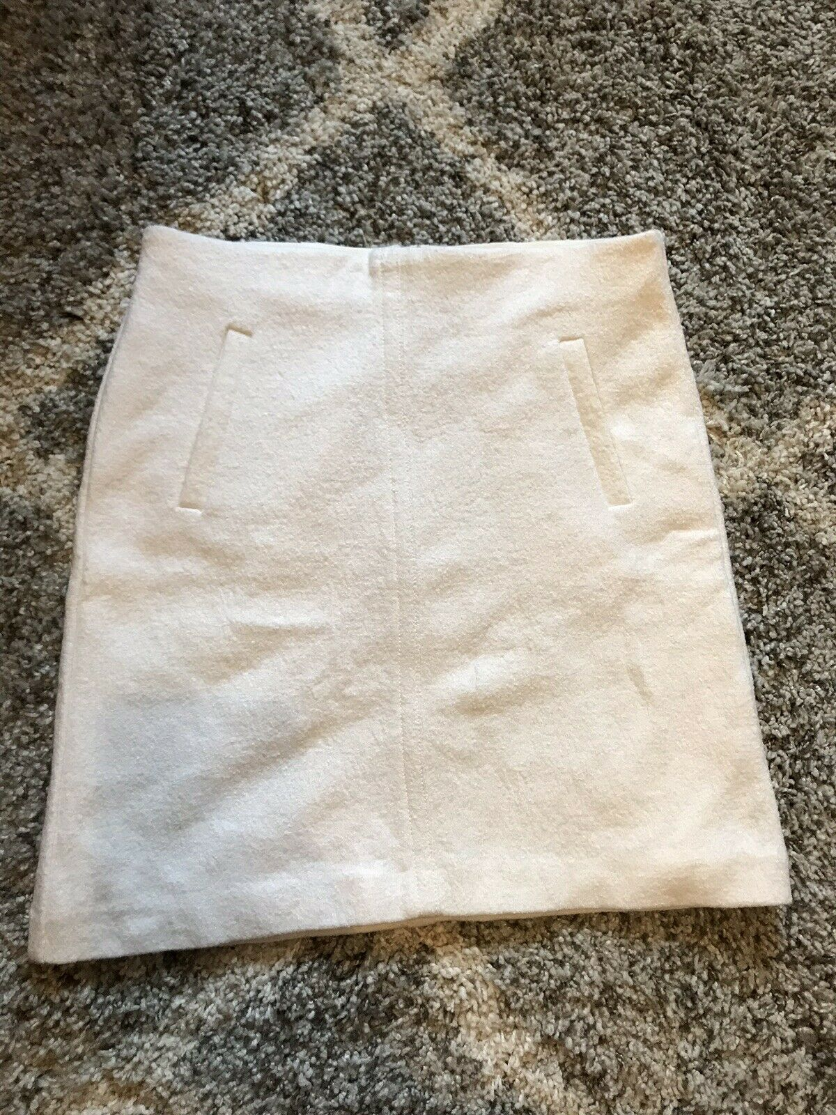 Ann Taylor Ivory Pencil Skirt Size 6 NWT