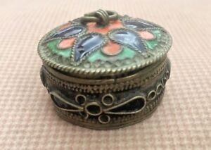 RARE-Antique-Chinese-Brass-amp-Coral-Beautiful-Trinket-Small-Box-Jewelry
