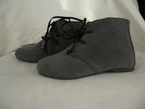 BNWT Little Girls Sz 11 Rivers Doghouse Brand Grey Lace Up Style Ankle Boots