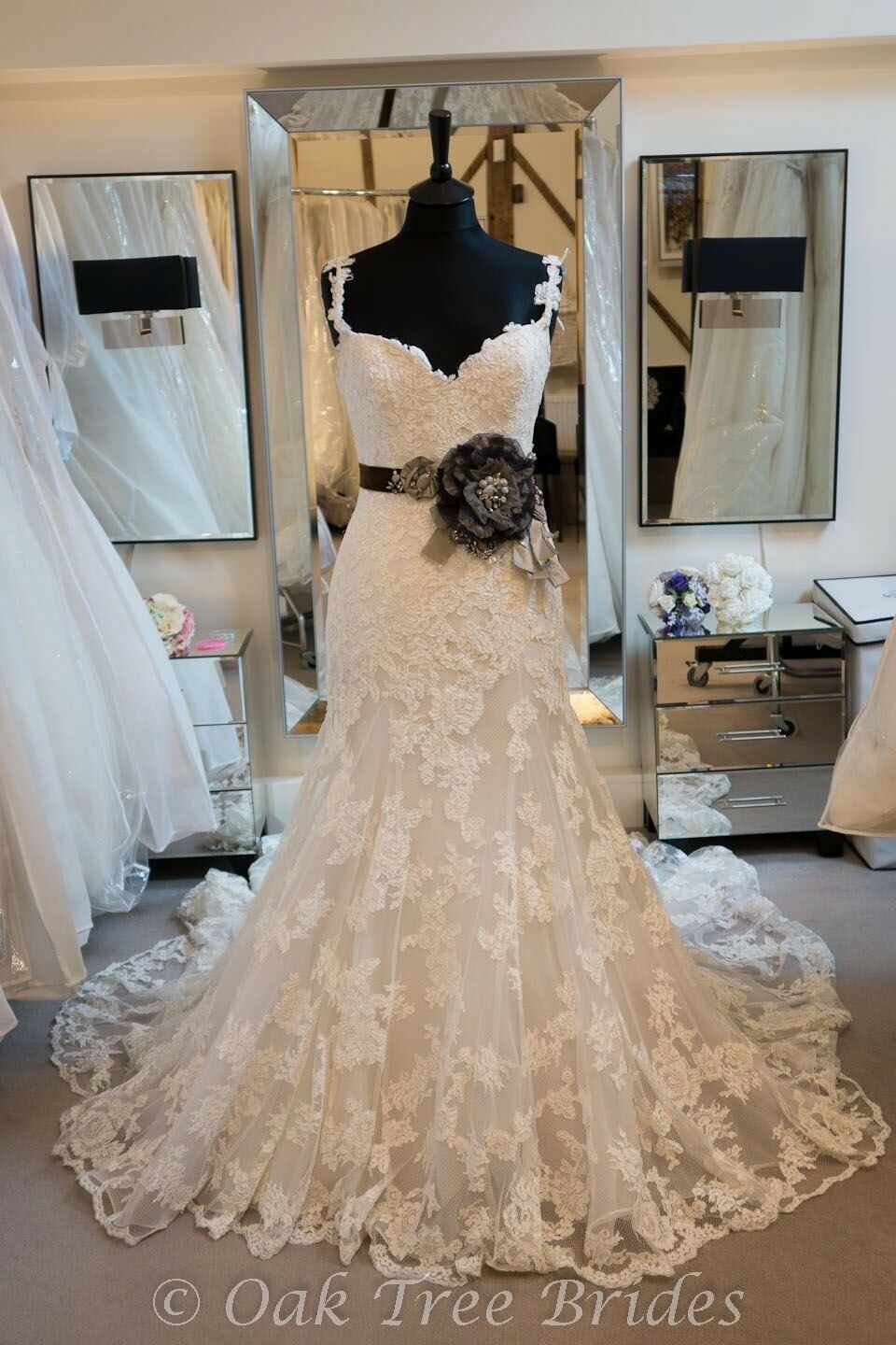 Enzoani Diana Bridal Gown - image 1