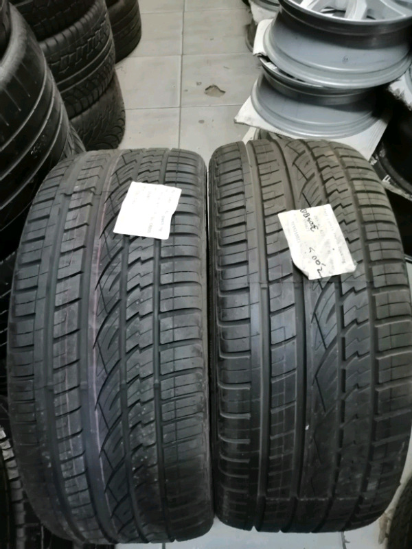 265 40 R 21 Continental cross contact tyres.