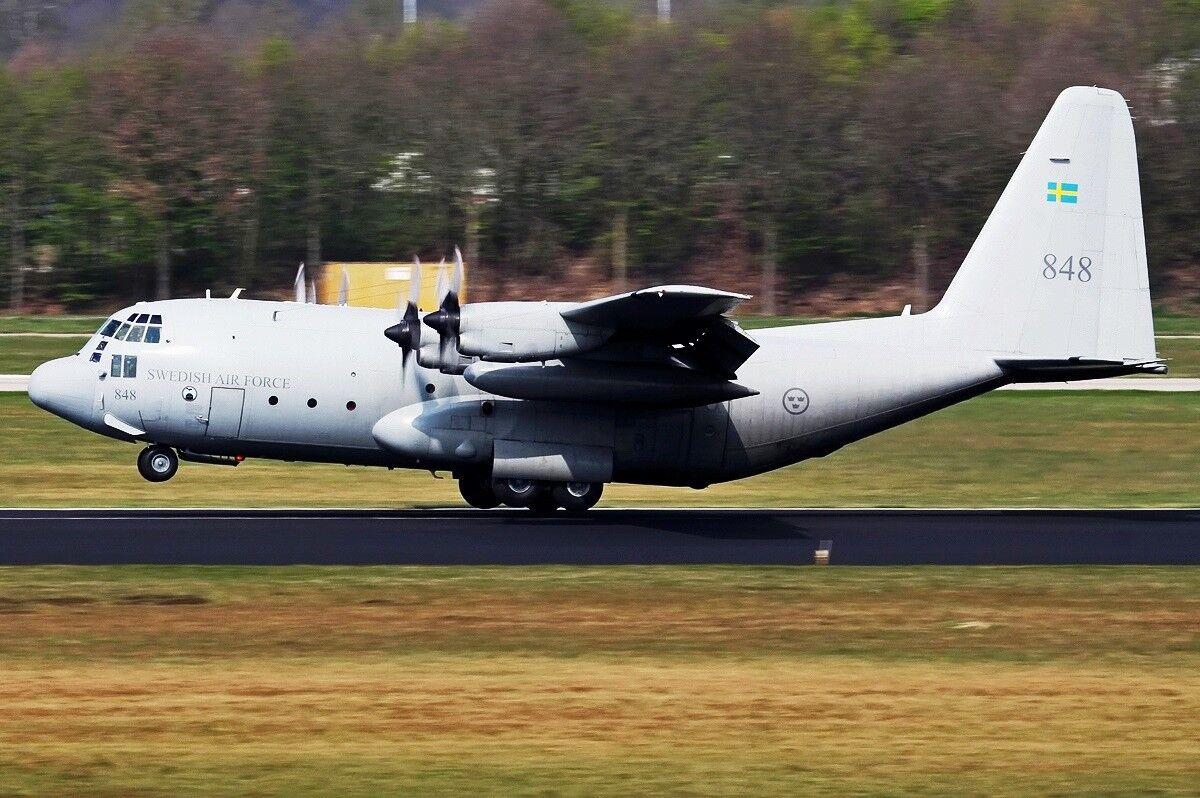 JFC130012 1 200 Swedish Air Force Lockheed TP84 Hercules (C-130) 84008W