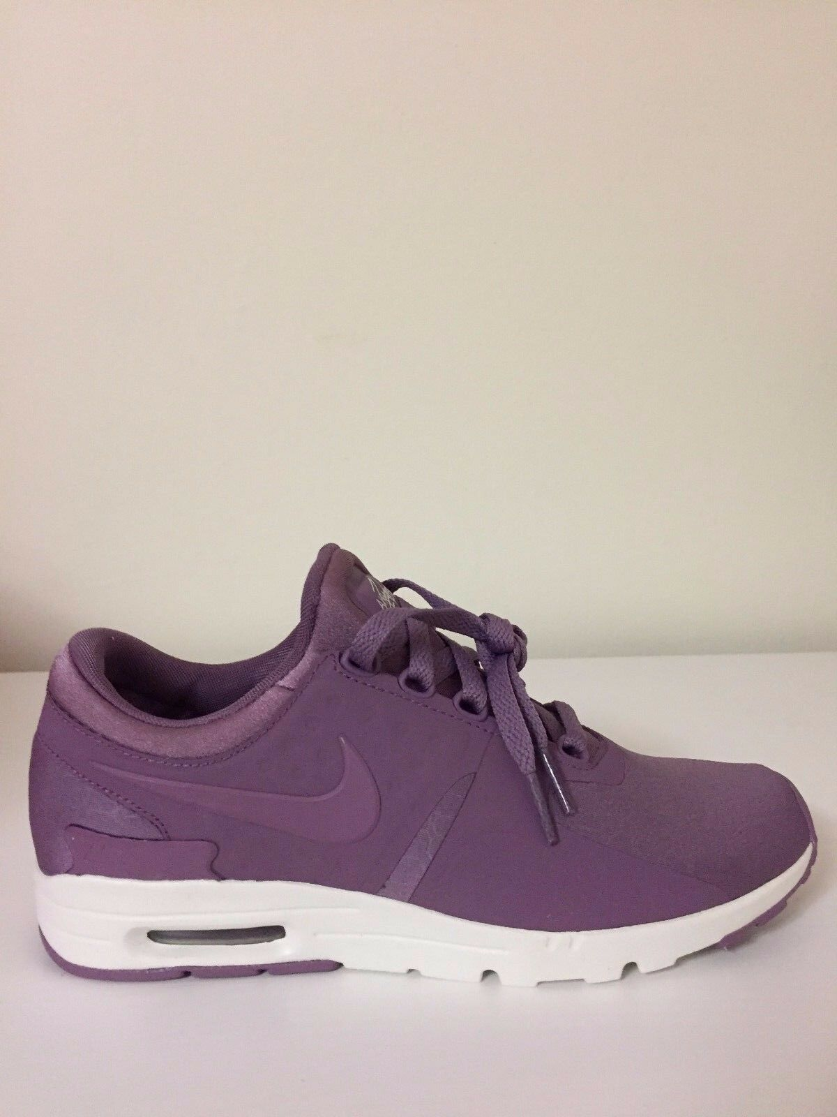 Nike Air Max Zero Premium 903837-003 Purple Wmn Sz 7