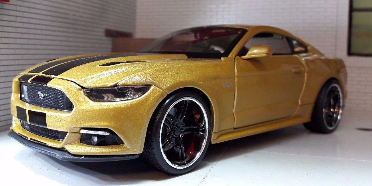 oro Ford Mustang Personalizado 2015 3.7 5.0 5.0 5.0 V8 GT 1 24 escala 31369 Maisto Modelo de Coche cb50aa