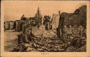 Montfaucon-1917-Carte-Postale-Zerstoerte-Haeuse-im-1-Weltkrieg-Militaer-Militaria