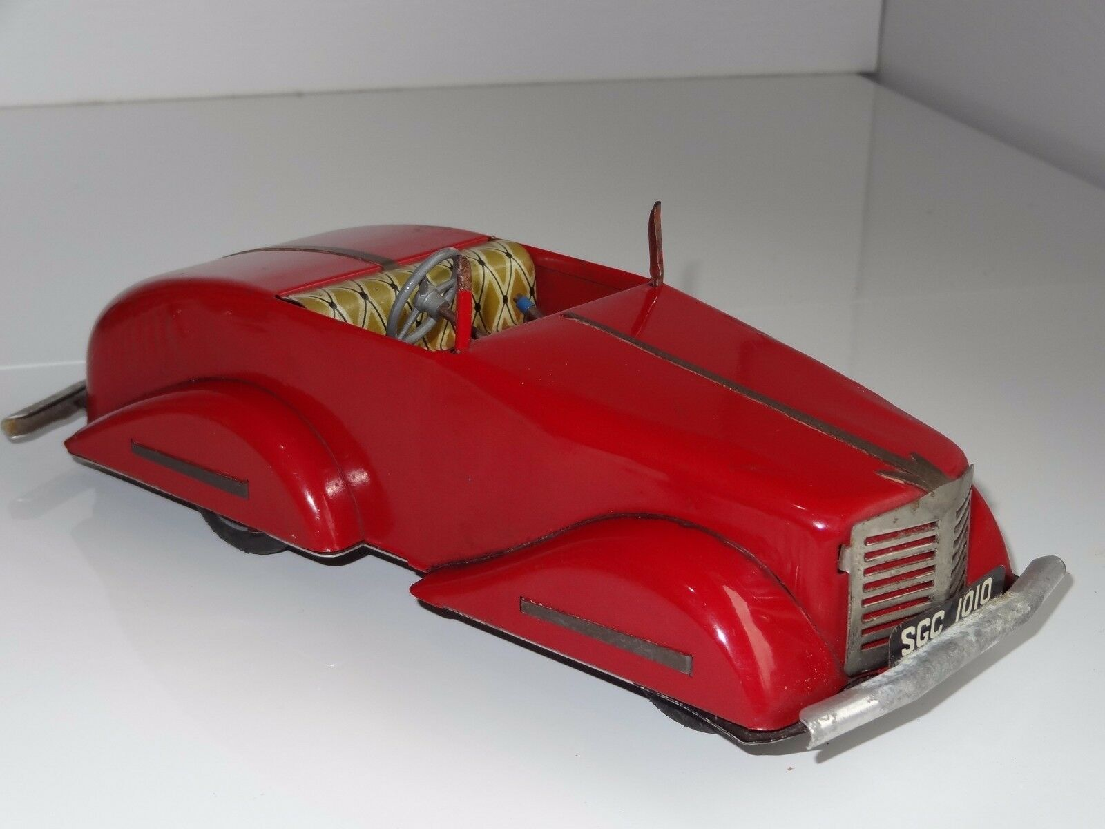 (L) Louis Marx Toby Toys  LITHOGRAPHED TINPLATE OPEN TOP CAR