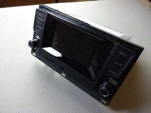 VW Golf Sportsvan Touran 5T Radio Composition Touch DAB+ Digitalradio 510035887A