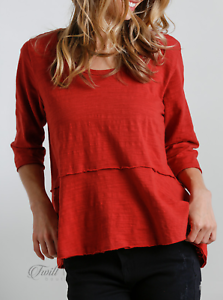 Umgee-Brick-Red-Round-Neck-3-4-Sleeve-Tiered-Raw-Hem-Top-NWT-Size-S-M-L