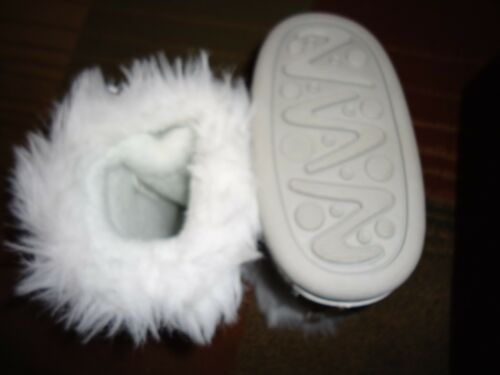 Xhilaration Baby Toddler Girl Winter Lace Up Boots Shoes Silver w//Faux Fur New