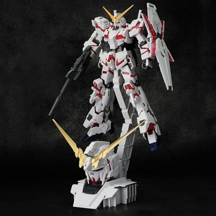 Gundam HGUC RX - 0 unicornio Gundam (modo de destrucción) muestra base en la cabeza.