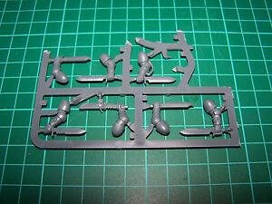 7-Space-Marine-Primaris-Reivers-Combat-Knives-bits