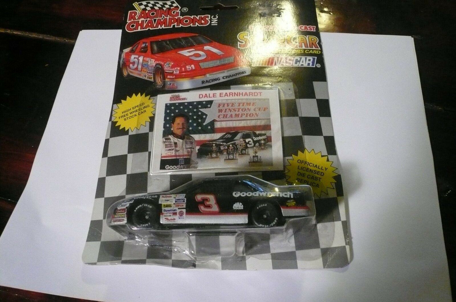 NASCAR--Racing Champions--Dale Earnhardt (1 43 Scale) 1992