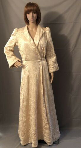 Vintage 1940s Dress Robe House Coat Cream White Qu