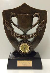 Journée des sports trophée gravure libre + + FREE P&P pour chaque trophée supplémentaire-afficher le titre d`origine YA3j9Kb6-07165346-216287175