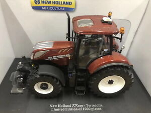 Universal-hobbies-1-32-New-Holland-T7-225-Edition-Terracotta-Diecast-Model