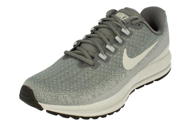 Nike Air Zoom Vomero 13 Men's Running Shoe Size 7.5 (Black